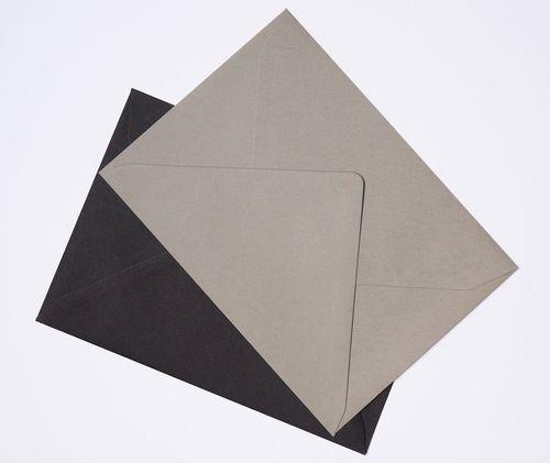 Sobres grises para invitaciones